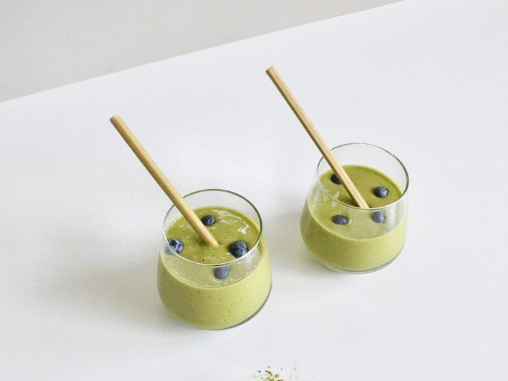 5 Ingredient Matcha Smoothie Recipe